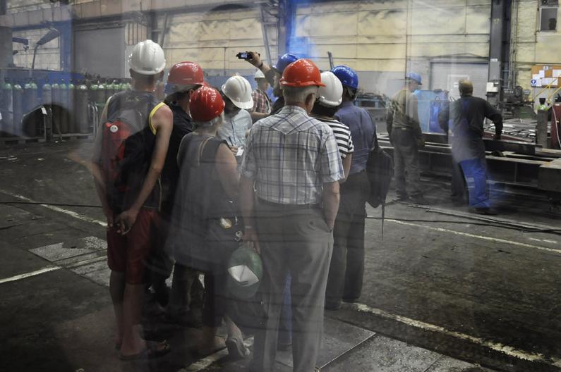 Spacerownik – bydgoszczanie odwiedzili fabrykę MAKRUM [ZDJĘCIA]