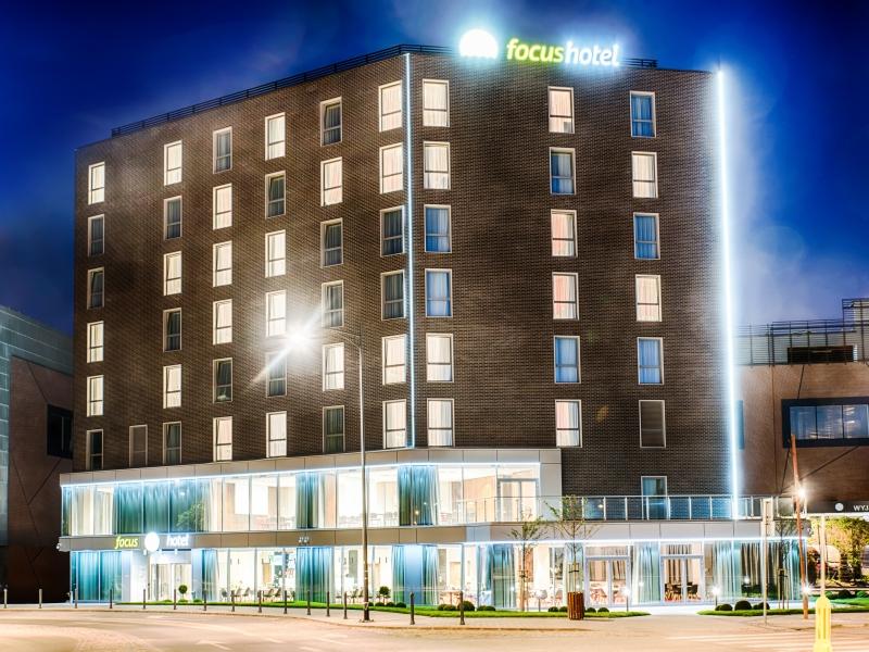 Focus_Hotel_Premium_Gdansk_outside_night