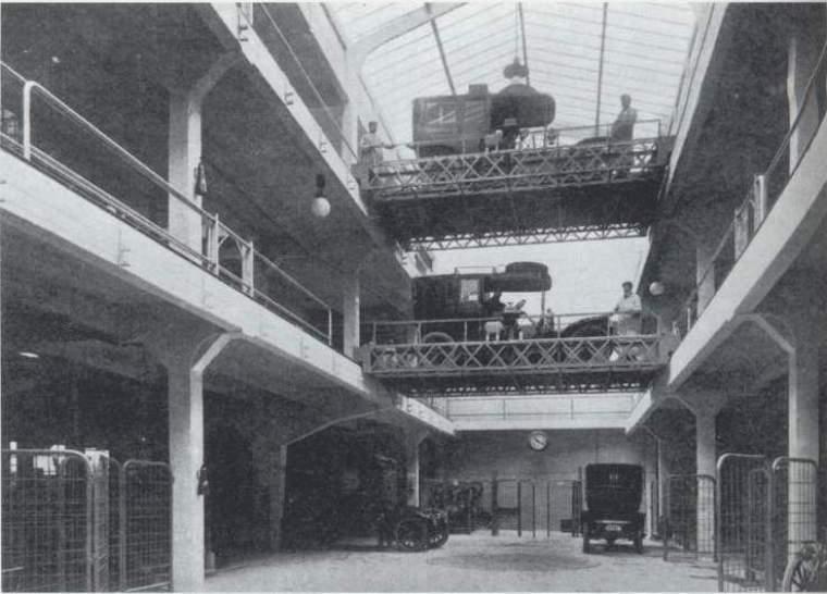 garage_du_rue_ponthieu-interior1