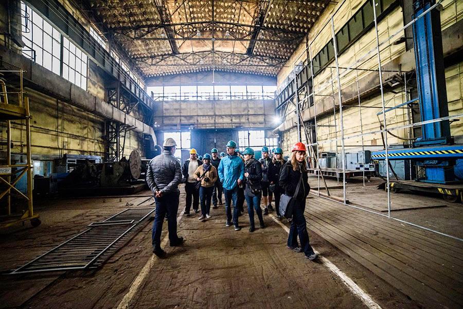 Zwiedzanie fabryki Makrum z Miejskim Centrum Kultury i Gazetą Wyborczą