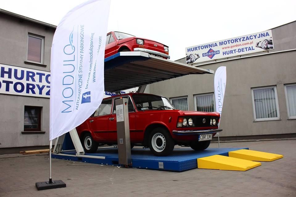 Parking Modulo Scissor atrakcją Zlotu Pojazdów Zabytkowych