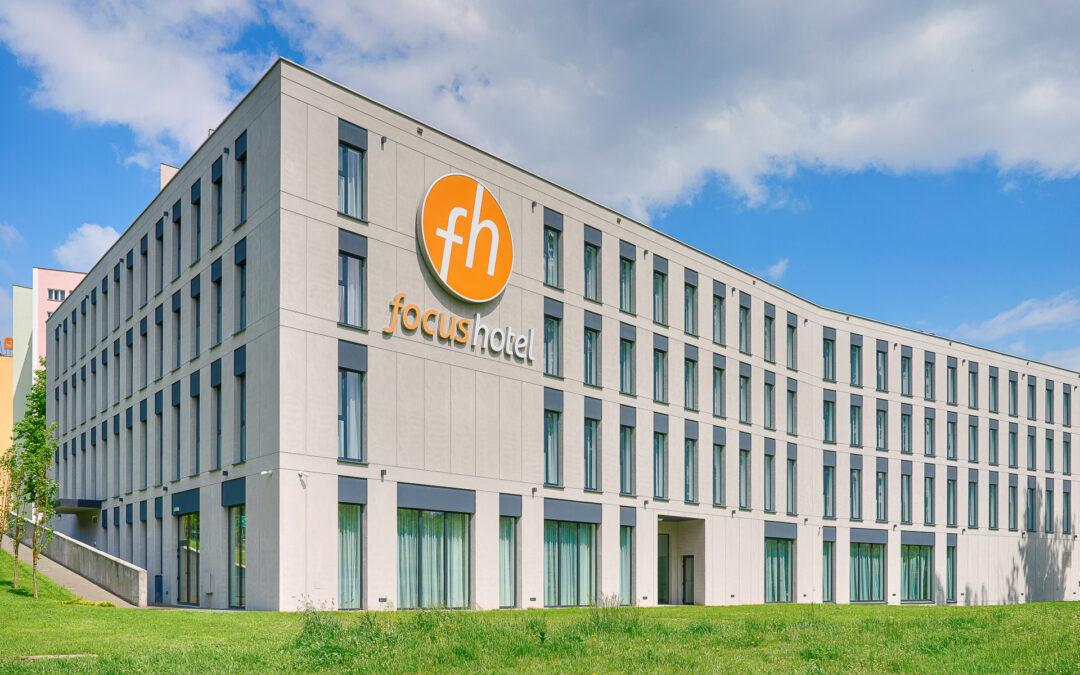 Synergie w biznesie – otwarcie salonów Quiosque w hotelach Focus